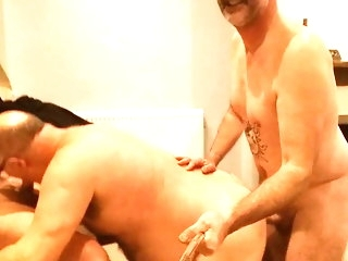 bear Pro does botheration 2 mouth, gets imperceivable up cum amateur